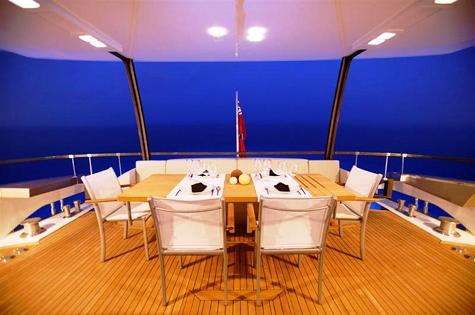 Yacht QUANTUM -  Aft Deck Al Fresco Dining