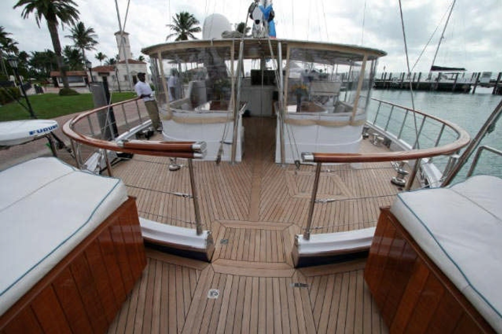 Yacht QUEEN SOUTH III -  Aft Deck looking forward