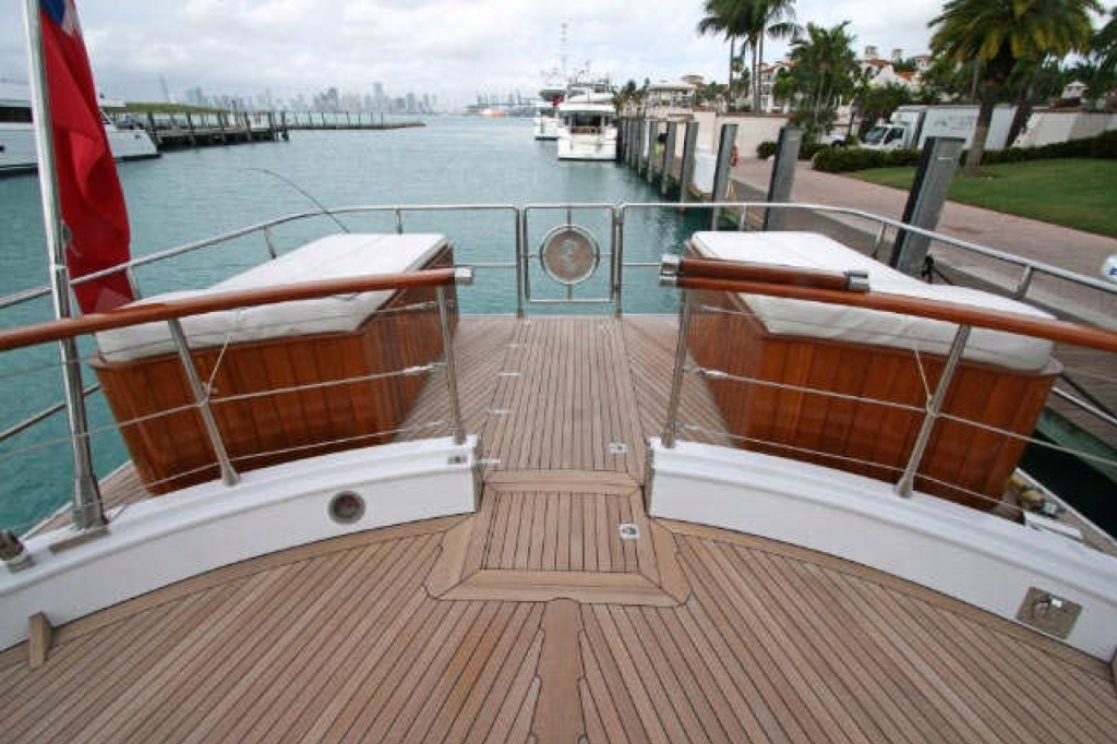 Yacht QUEEN SOUTH III -  Aft Deck