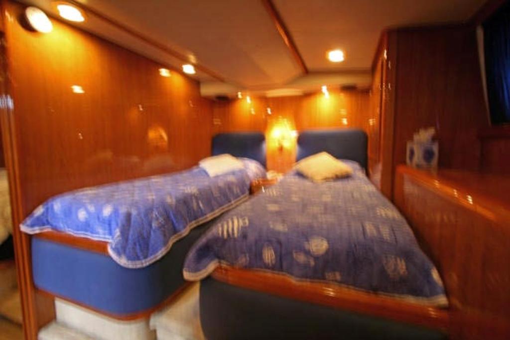 Yacht QUEEN SOUTH III -  Twin Cabin