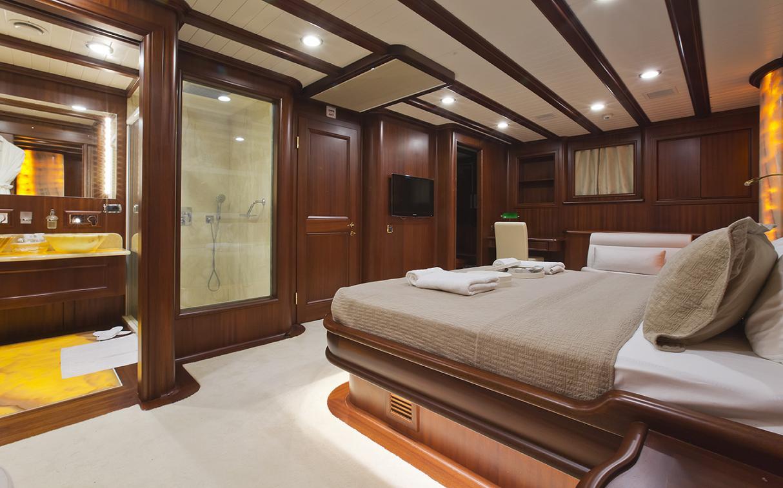 Yacht REGINA - Master Cabin