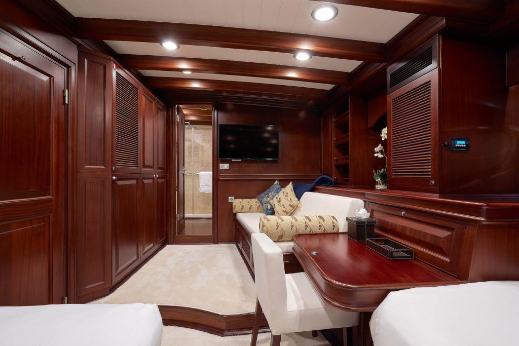 Yacht RIANA - Twin cabin view