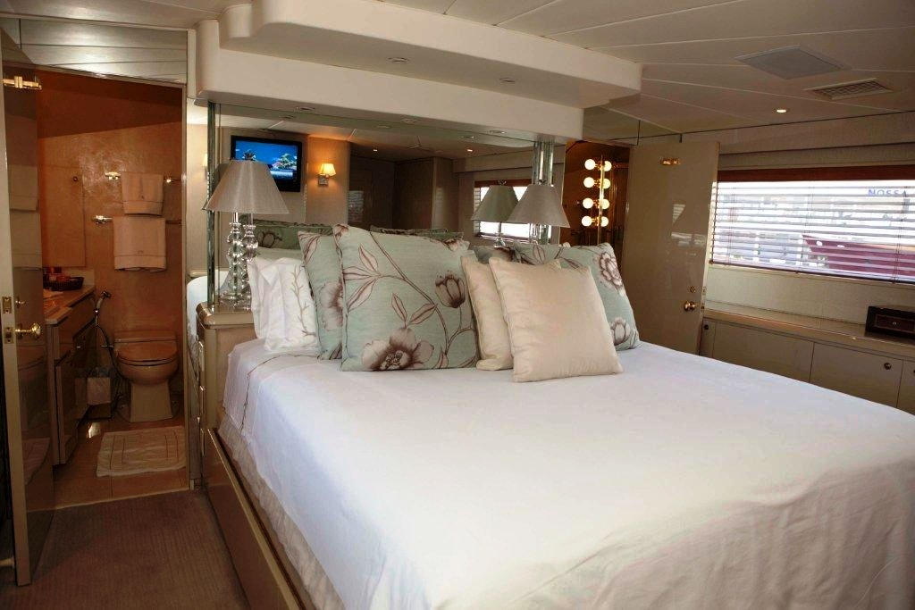 Yacht S & U -  Master Cabin