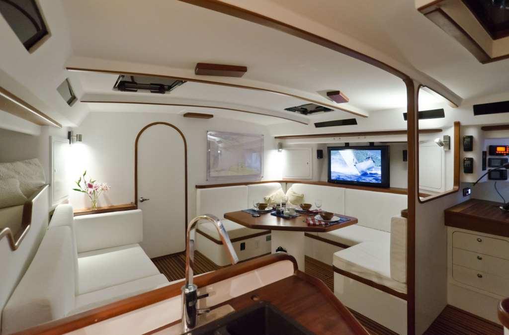 Yacht SAFARA -  Salon View 2