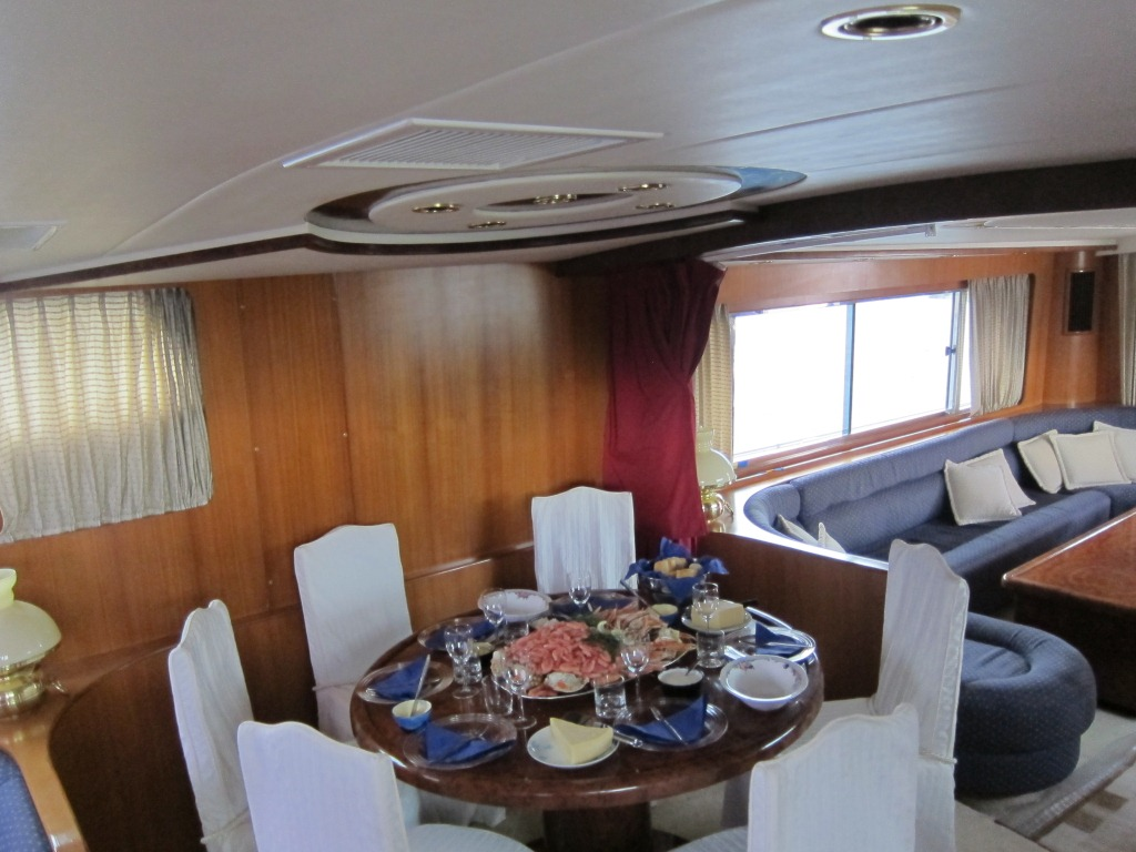 Yacht SEA DREAM -  Formal Dining