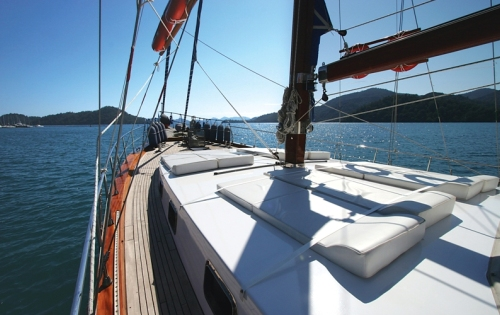 Yacht SERENITY 70 -  Sunpads on Deck