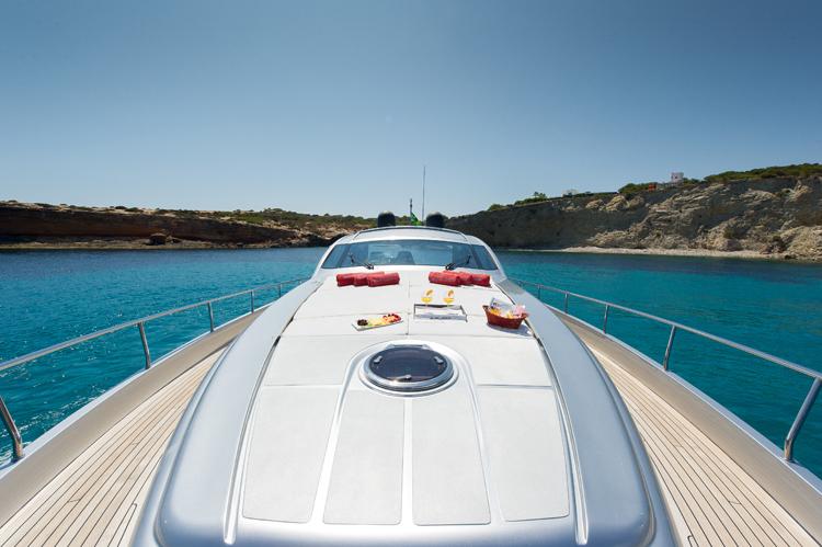 Yacht SHALIMAR 22m - Foredeck