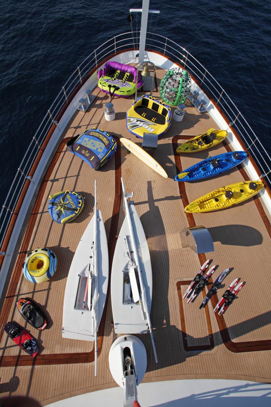 Yacht SHERAKHAN - Water Sport Toys