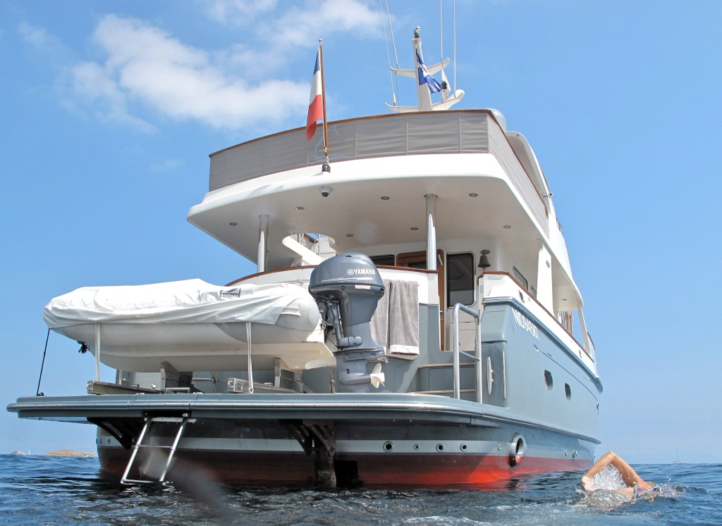 Yacht SILVER FOX -  Aft View