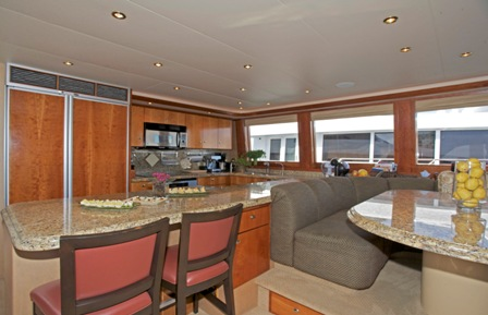 Yacht SILVER MOON -  Country Kitchen Seating