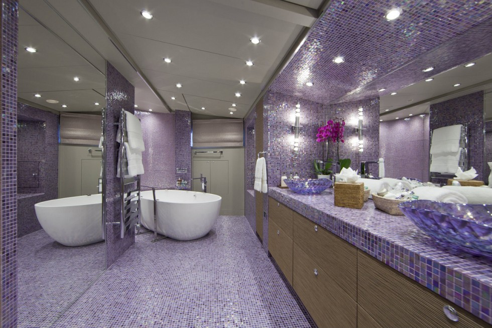 Yacht SISTER ACT -  Master Bathroom