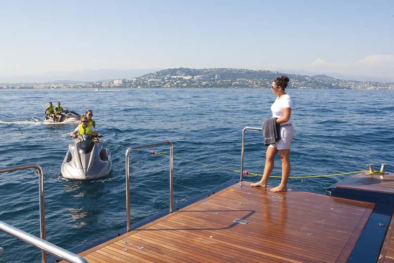 Yacht SISTER ACT -  Swim Platform