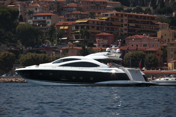 Yacht SKYFALL -  Profile