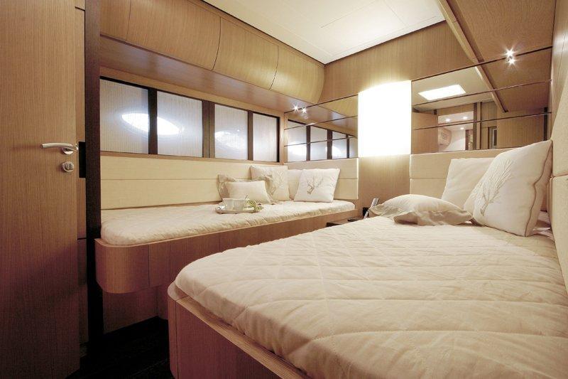 Yacht SOLARIS -  Twin Cabin