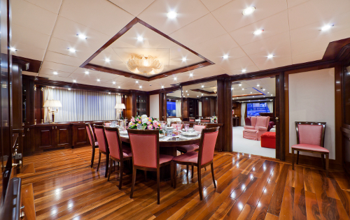 Yacht SOPHIE BLUE -  Formal Dining
