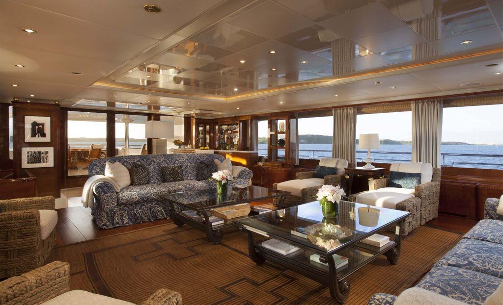 Yacht STARFIRE -  Main Salon