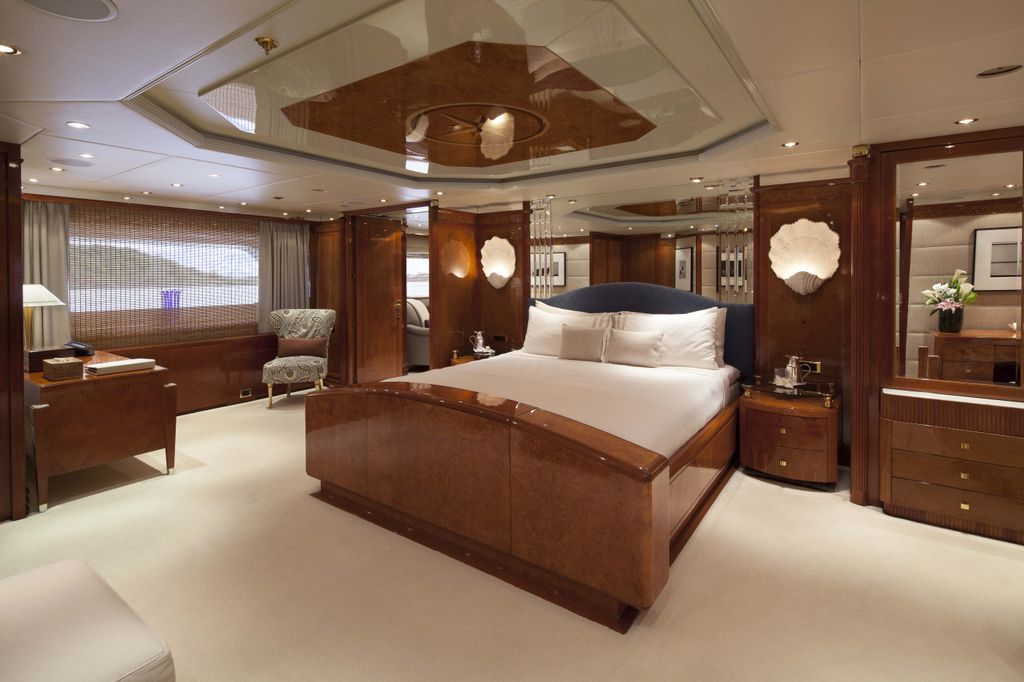 Yacht STARFIRE -  Master Cabin