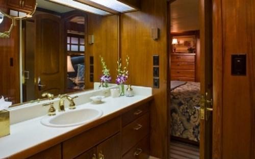 Yacht SYRENE -  Master Cabin Ensuite