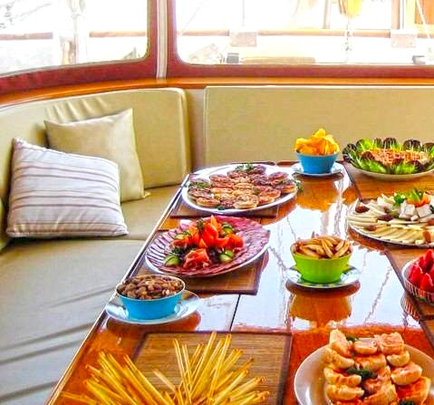 Yacht Southern Cross -  Aft Deck Dining