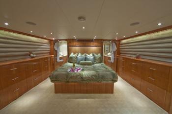 Yacht TEMPTATION - Master Cabin