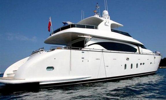 Yacht TEMPTATION DELTA -  Aft View