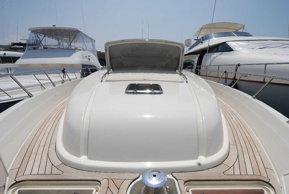 Yacht TEONE - Foredeck