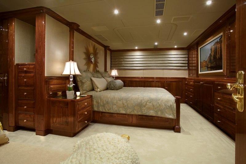 Yacht TOP FIVE -  VIP King Cabin