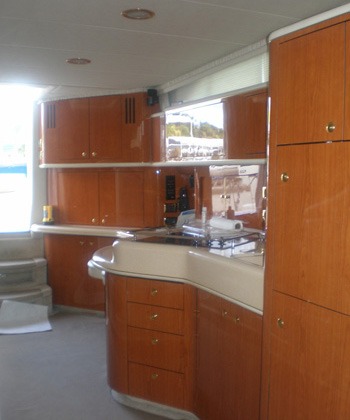 Yacht TOP SECRET -   Kitchen