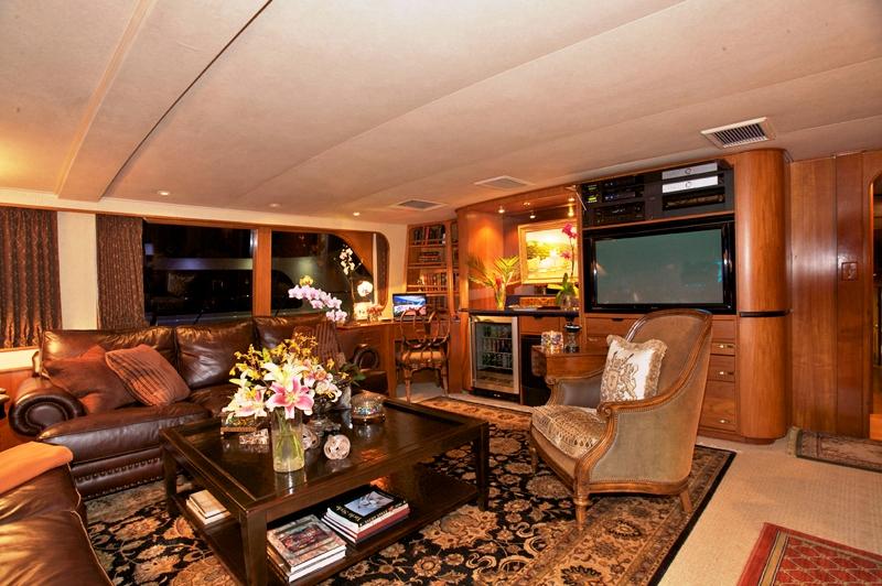 Yacht TRILOGY -  Salon