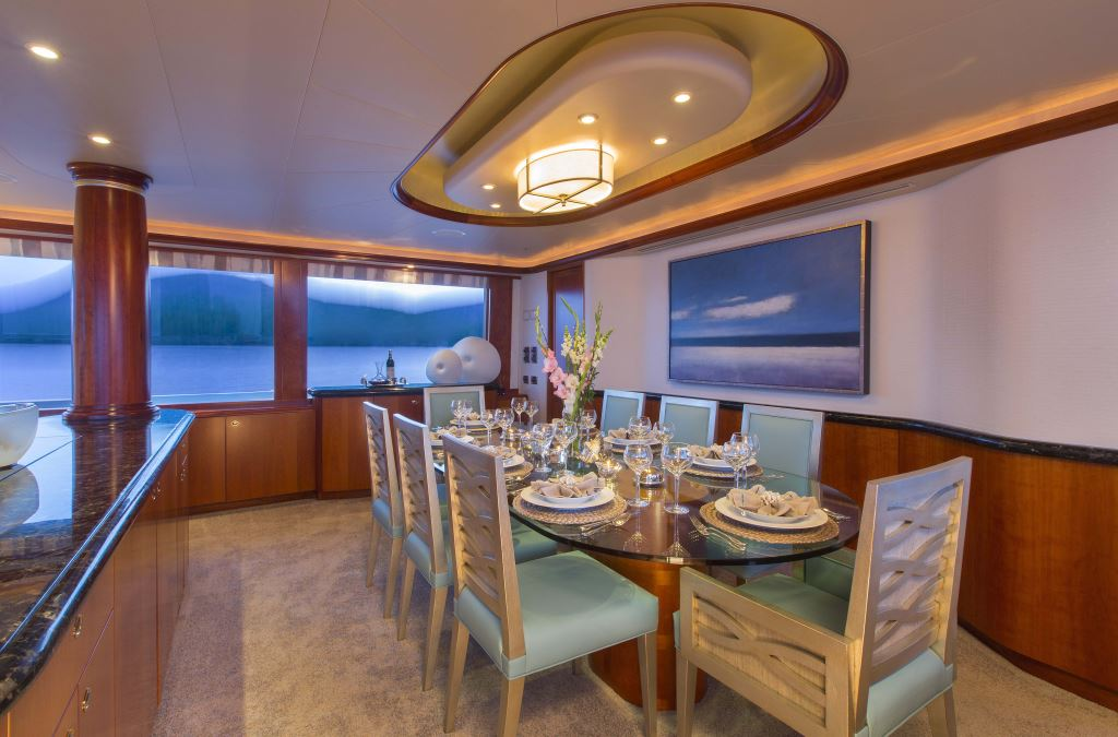 Yacht TRISARA - Formal Dining