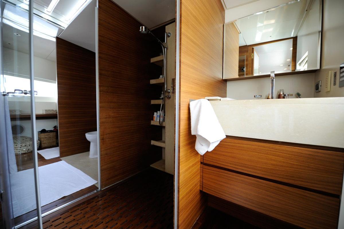 Yacht TROPICANA -  Master Cabin Ensuite