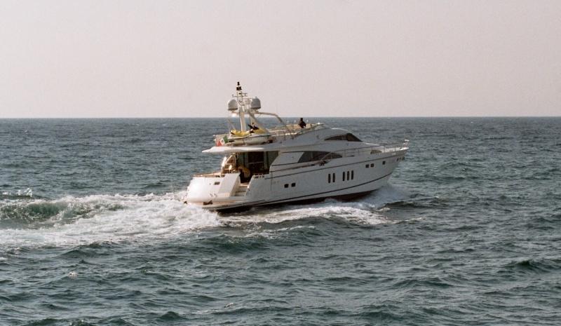 Yacht XCHE -  Cruising