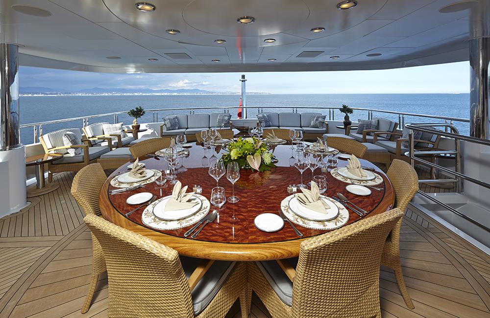 Yacht ZOOM ZOOM ZOOM -  Upper Deck