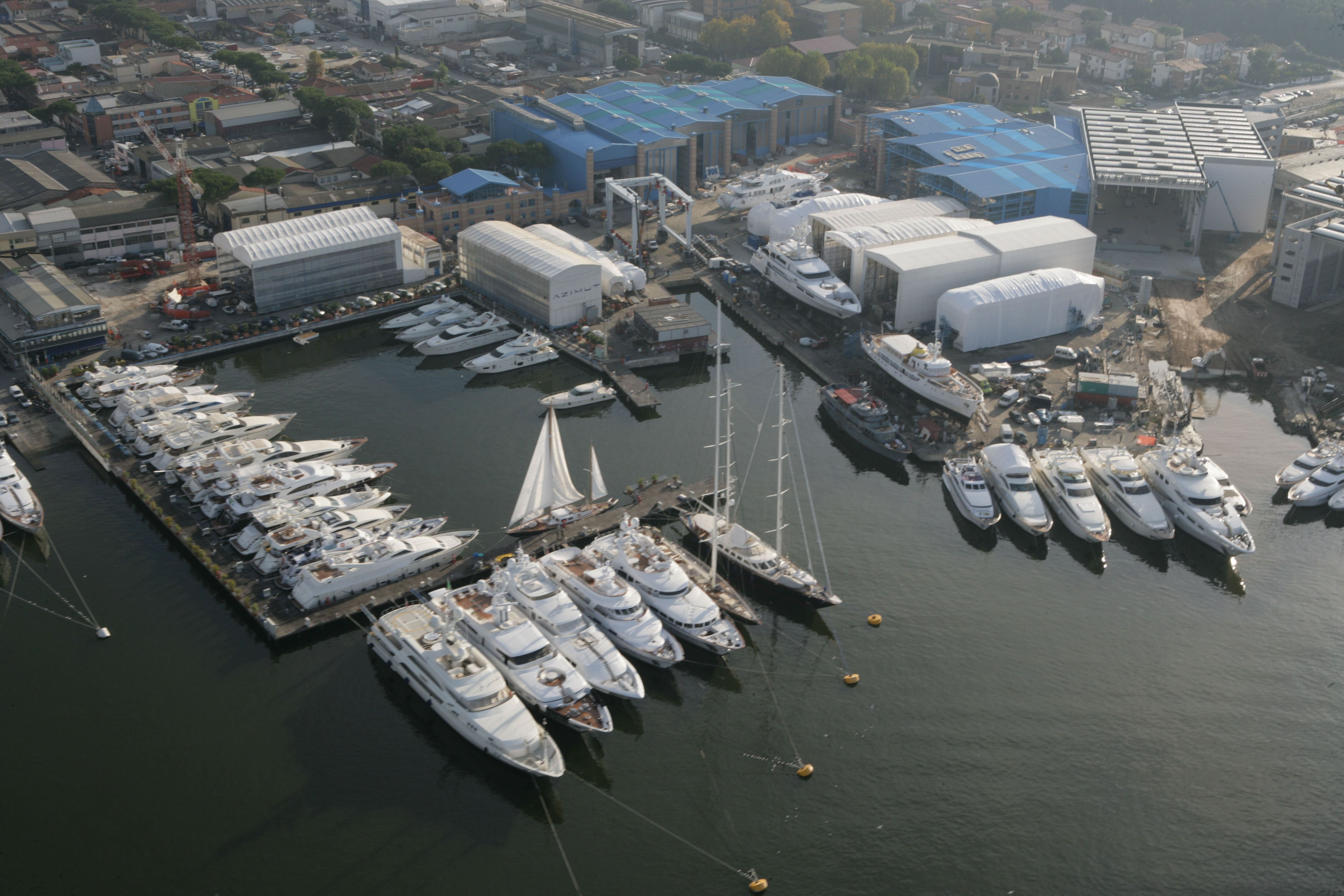Azimut Benetti Group Yachts, Megayachts and Yachtique - Azimut Viareggio