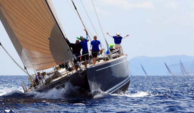 Yacht Lady Thalima and crew