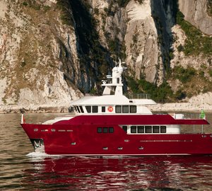 """The new 86 Darwin Class yacht """"Vitadimare 3"""" to debut in Cannes and Genoa this year"""