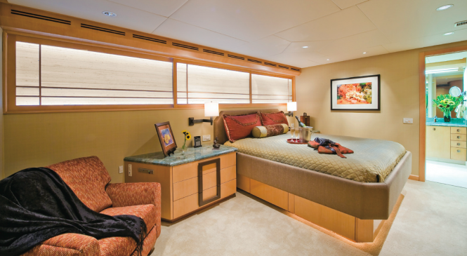Double Stateroom charter yacht Triumphant Lady