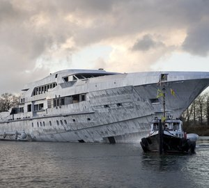 65m Heesen FDHF yacht YN 16465's superstructure and hull joined