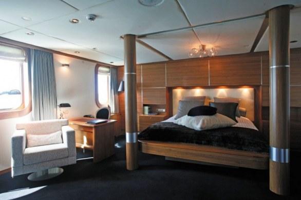 Superyacht SHERAKHAN Guest Suite