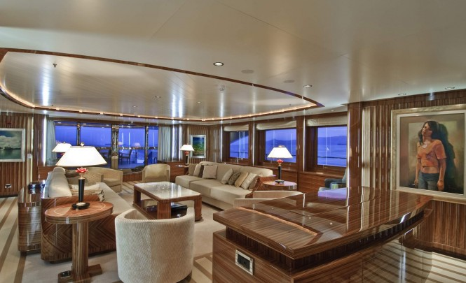 Salon of the superyacht O'Neiro