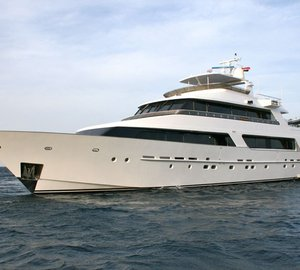 Newly refitted 38m Heesen superyacht No Comment (ex Tropic C)