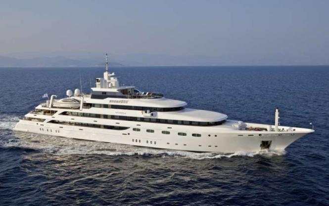 Luxury charter yacht O'Mega