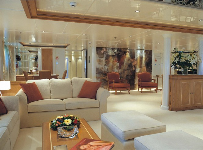 Motor yacht RM ELEGANT  - MAIN SALOON