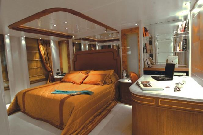 Motor yacht RM ELEGANT  - VIP RUBY CABIN