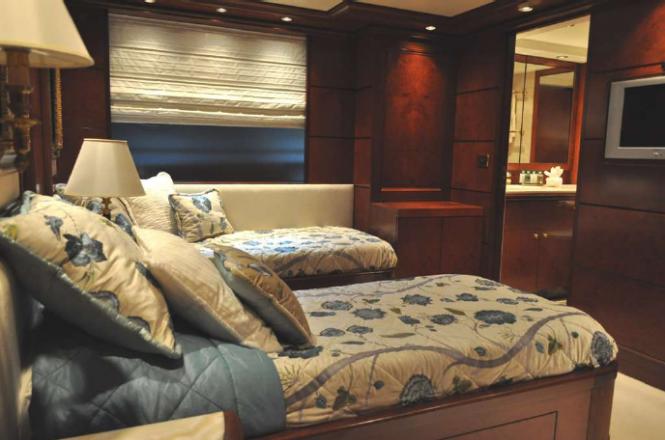 O'Mega Superyacht - Twin guest suite