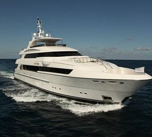 A Chance Meeting for Owners of two Horizon Superyachts: P136 motor yacht Antithesis and E84 Debbie Lou yacht
