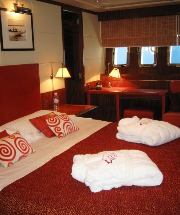 luxury yacht SOAN -  Master Cabin