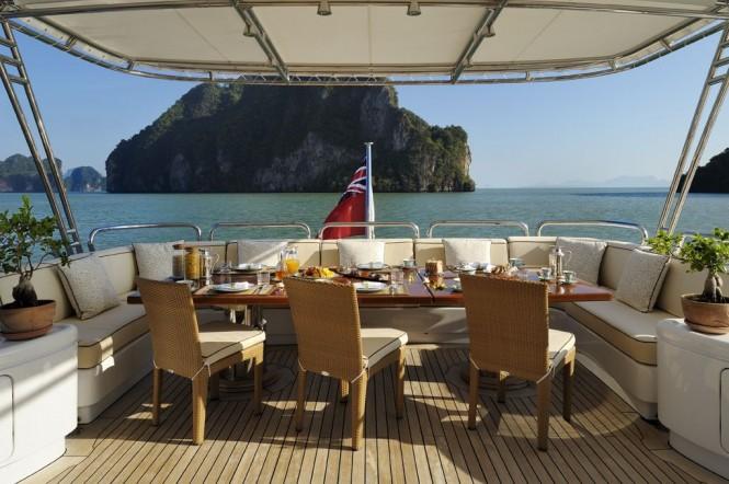 Al fresco dining - motor yacht Axioma