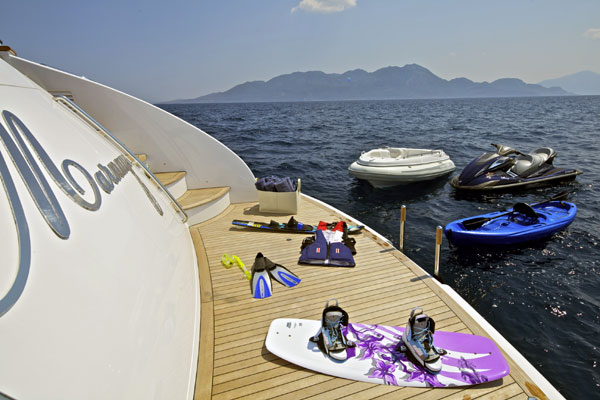 Charter yacht Marnaya - Water toy selection