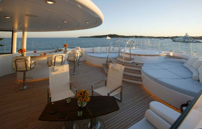 Luxury superyacht Solemates - Spa Pool
